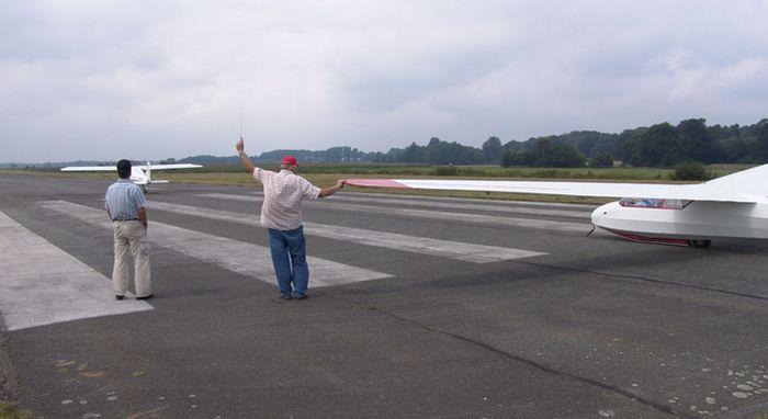 Flugplatz ganderkesee ul motorflugzeug segelflug ul for Airfield hotel ganderkesee